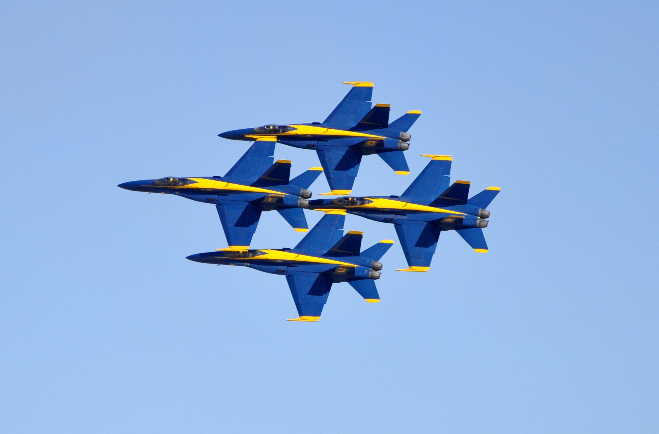 blue-angels-jets-f-18-flight-48021.jpeg